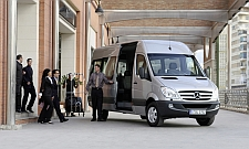 vip van service mit chauffeur luxus minivans in muenchen. Black Bedroom Furniture Sets. Home Design Ideas