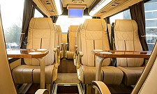 luxus kleinbus vip minibus luxus sprinter mieten in. Black Bedroom Furniture Sets. Home Design Ideas